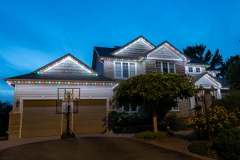 Two-story-holiday-lights-colours
